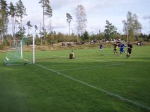 Tre mål på fem minuter gjorde Johannes Widerberg sedan han kommit in i andra halvlek. Här sitter 11-2.