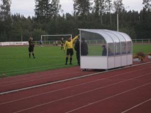 Bennie drabbades av en sk lindrig avvisning för sin enda reaktion under matchen.