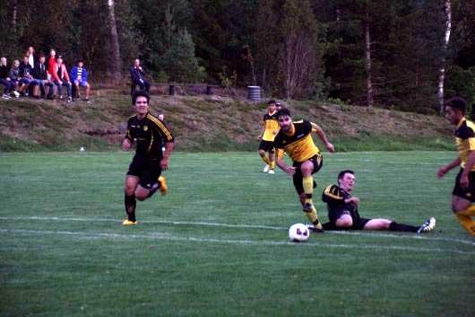 Fint inhopp av Erion Nishku, här attackerar han före sitt viktiga 4-1-mål.