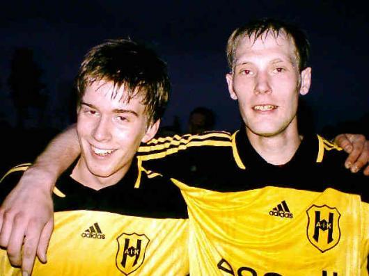 Två glada målskyttar efter den tunga drabbningen med Agunnaryd; Johannes Widerberg och Johan Karlsson.