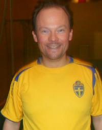 Komminister David Olsson har tröjan till trots inte spelat i landslaget. Men väl i en rad andra lag och nu tillhör han Horda AIK.