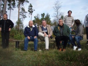 """På veteranhyllan satt följande tre legendariska Hordaspelare, fr v Birger Eriksson, Christer Salomonsson och Sven-Ingvar """"Kringla"""" Tuvesson. De tre kunde konstatera att målrekordet från 1961 stod sig."""