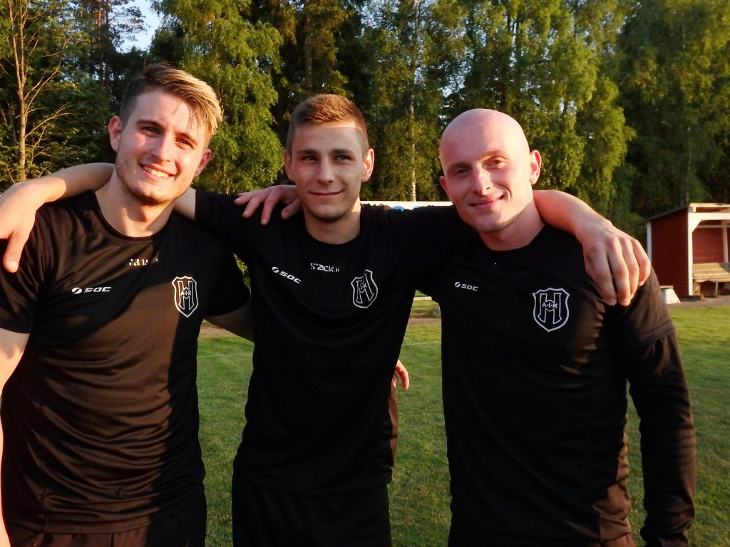 Tre glada målskyttar , fr vänster Kenan Arslanovic (2), Franjo Misic  (3)och Nazif Brahimi (1)