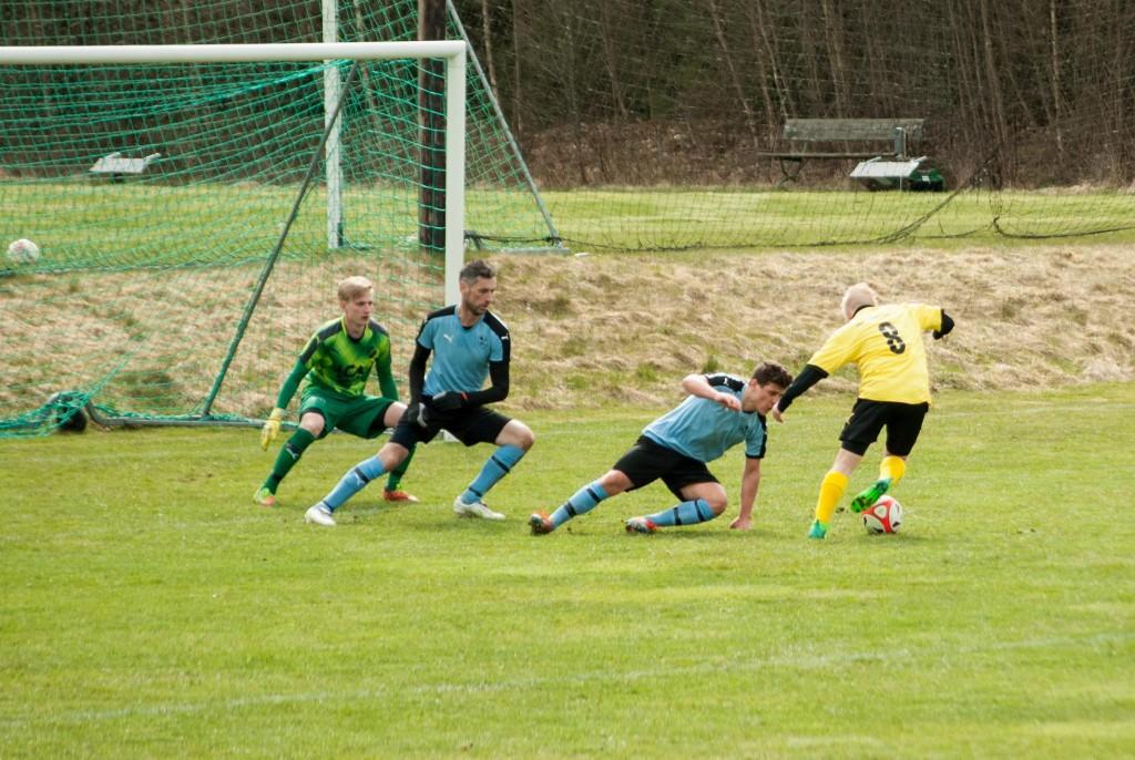 Jakob Ryden (8) gjorde en pigg comeback och var nära att kvittera