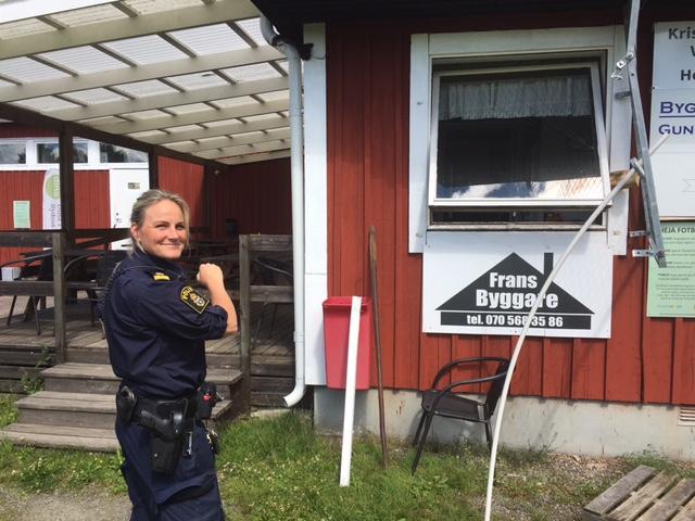 Malin Bunnstad från Värnamopolisen gjorde en noggrann brottsplatsundersökning