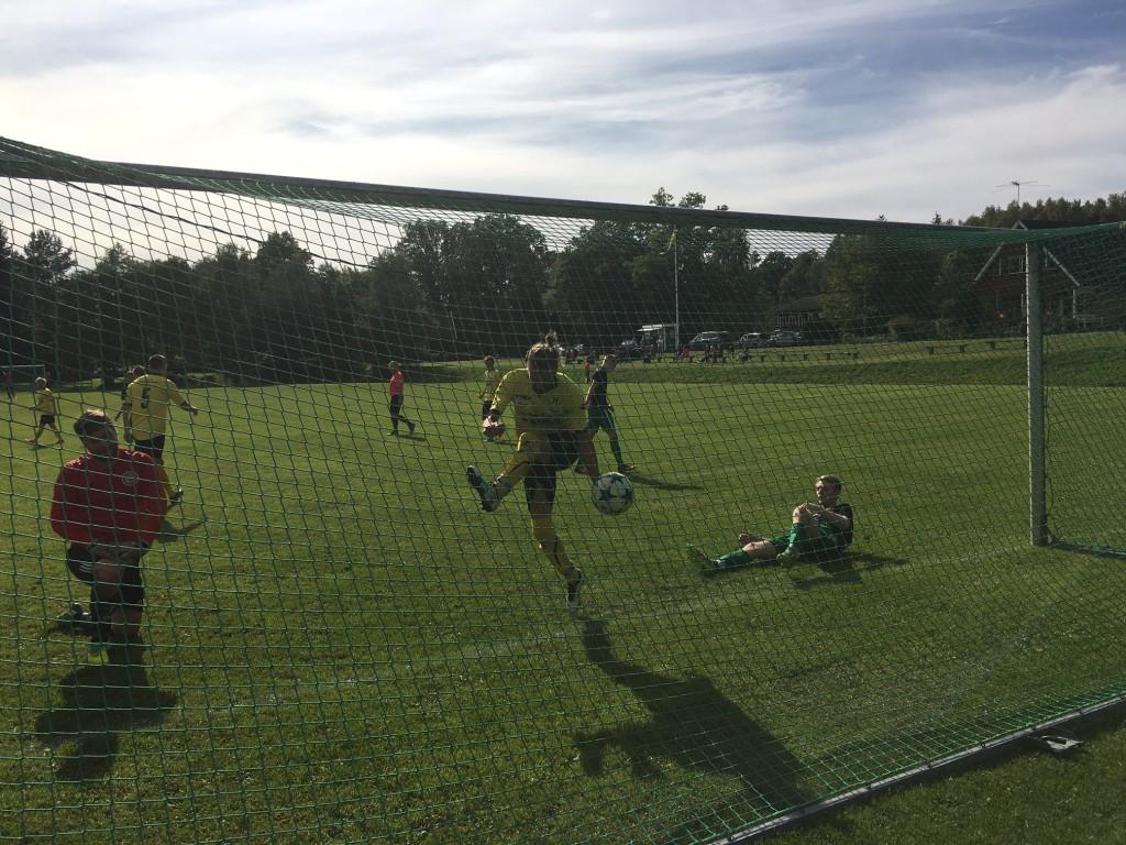Simon Arthursson dundrar in 0-3 till ingen nytta